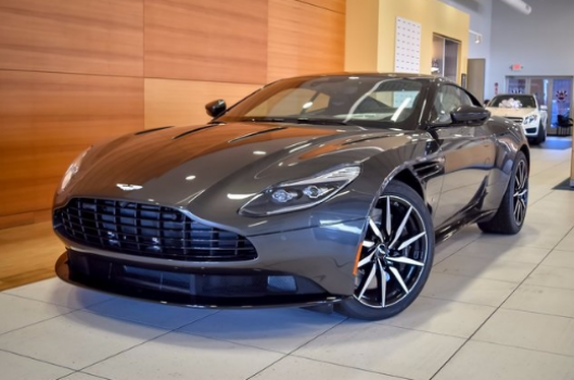 Aston Martin DB11 Coupe V12 2018